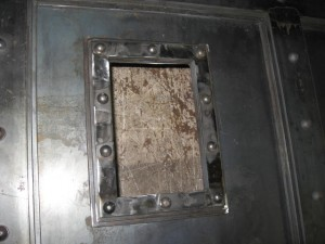 2009-11-06+door+latch+003